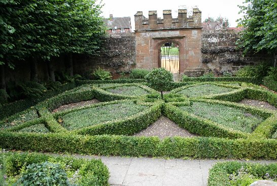 A Knot Garden using Dwarf Box plants