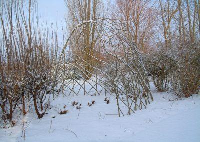 Large Living Willow Half Bower Kit WK124